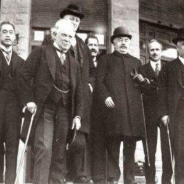 Après la première guerre mondiale, plusieurs traités de paix