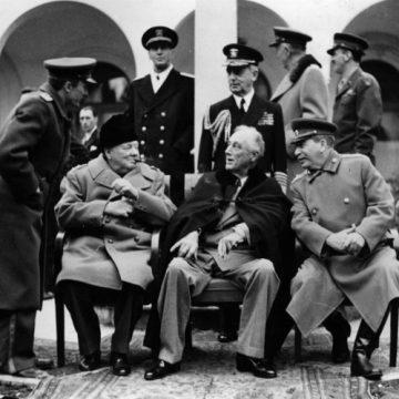 Vers la conférence de Yalta