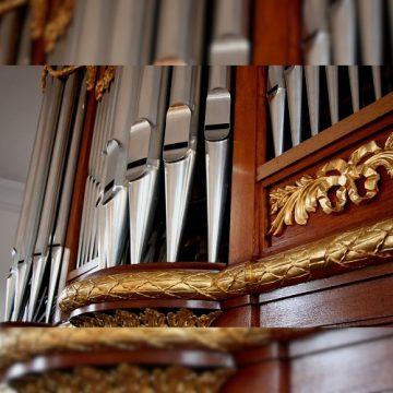 A l'orgue du Grand Temple