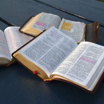Editer et lire la Bible